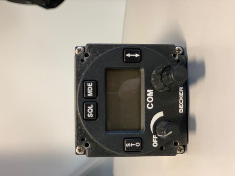 ulm occasion  -  - RADIO VHF BECKER AR4201